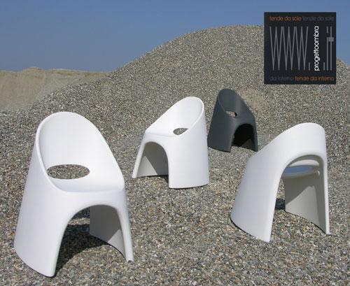 N.4 AMALIè innovazione nelle sedute per interni ed esterni da cm50x67 h87 se desiderate colori diversi specificare,tel 0258315644   €500,00