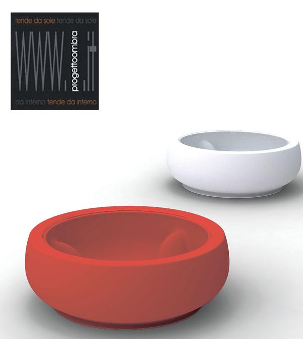 Marcel WANDERS 2 pezzi  100 h 35 cm Glass: opal 80 h 0.8 cm Colore: rosso e bianco Peso: 25kg l'uno  Per informazioni chiamare 02-58315644