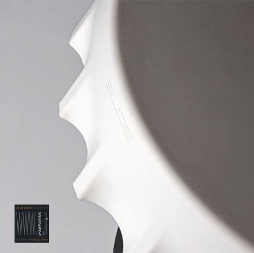 FIZZZ  70 h 40 cm  Colore Bianco   Peso: 15 kg  Disponibile con luce compresa nel prezzo su richiesta del cliente  Per informazioni chiamare 02-58315644