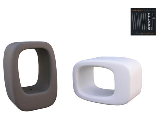 LAZY BONES 2 pezzi  40 X 50 h 72 cm  Peso: 8 Kg  Colore: Nero e Bianco . Disponibile in altri colori su richiesta del cliente. Per informazioni chiamare 02-58315644