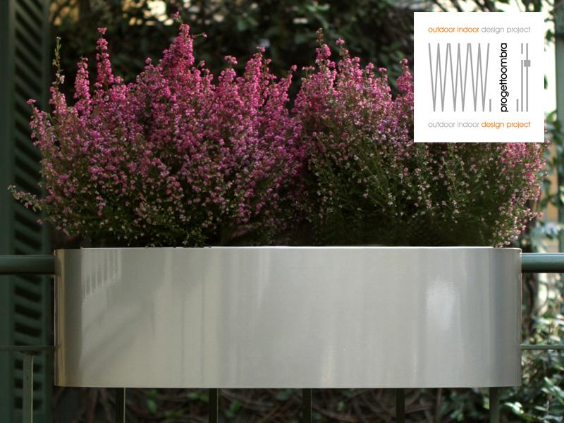 Porta Vasi per balconi su disegno per preventivi 0258315644, tutto viene fatto  per poter lavorare su singolo progetto di terrazzo o di balcone con cemento o con ringhiera o finestra , diverse sono le finiture , lucide o opache diversi sono i prodotti co