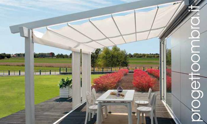 Tenda da sole ombreggiante per verande in legno e alluminio