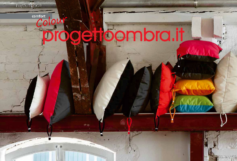 VENDITA N. 10 CUSCINI PER INTERNI ED ESTERNI 0258315644